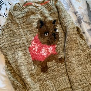Pullover sweater with dog pattern